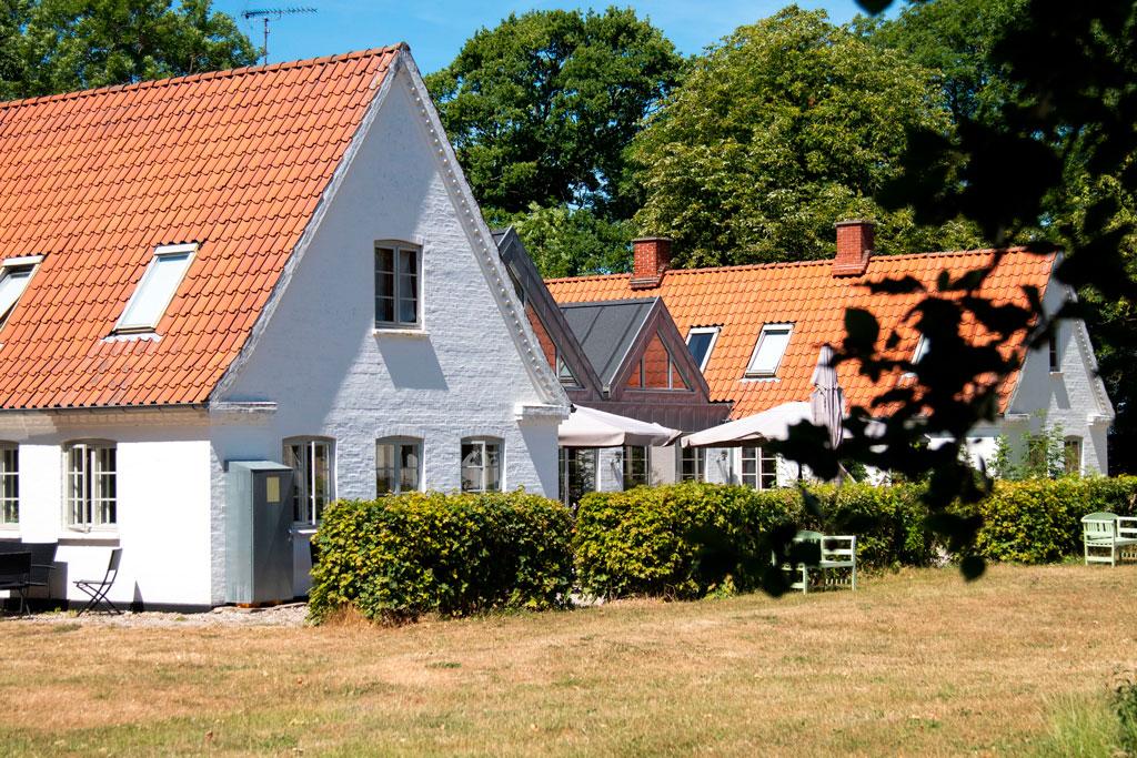 Hegnegården er en 3-længet gård, der ligger på Orø.